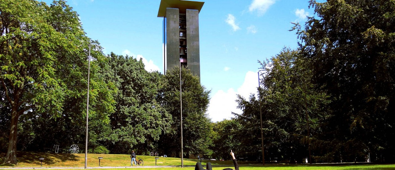 The Carillon and its audience